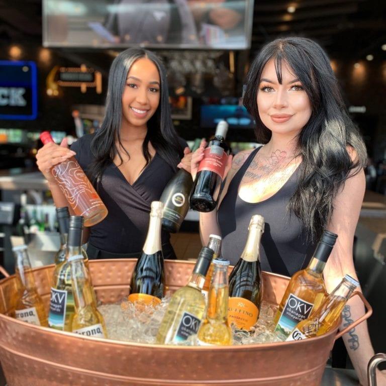 browns-restaurant-staff