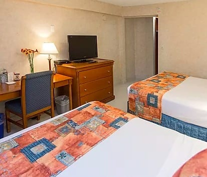 north-van-hotel-room