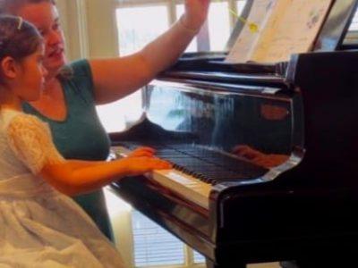 elisa-piano-lesson